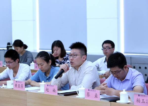 2009级博士生赵楠回忆说,总书记当时的即兴演讲是一种深情嘱托