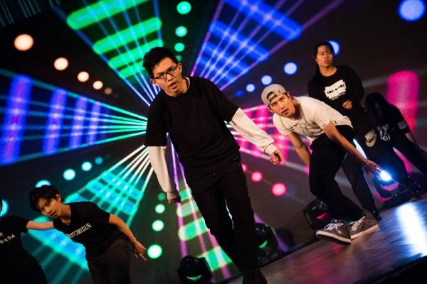 舞蹈《Boy in Luv》